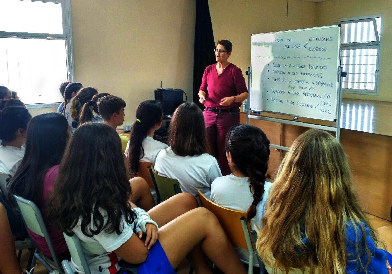 Servicio Nacional del Consumidor | SERNAC realiza charla para fomentar en  los jóvenes la importancia de la educación financiera