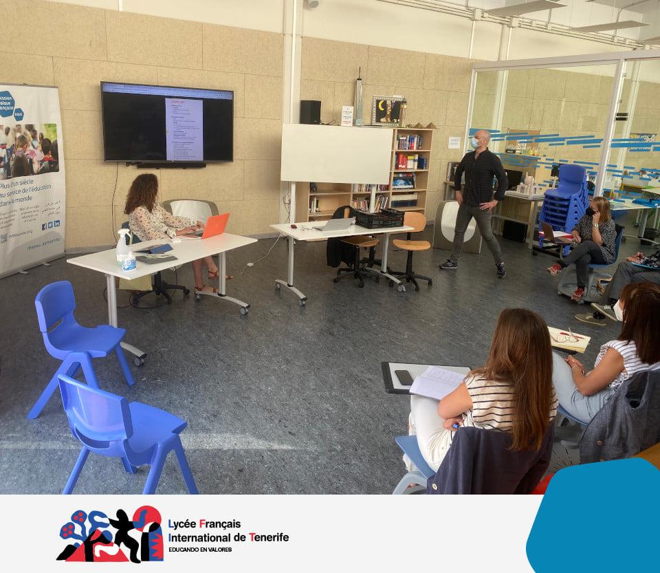 Les conseillers pédagogiques au CDI avec les professeurs